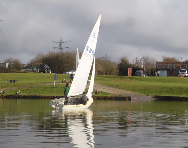 Dinghy sailing: conditions can vary!